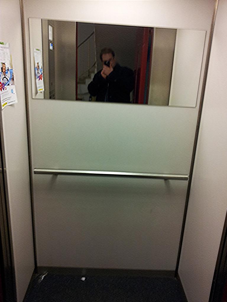 Spiegel_im_Lift_2014-02-07