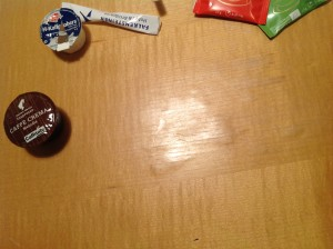 Foto: Schreibtisch im Zimmer 602 des Hotel Falkensteiner schon etwas abgenutzt